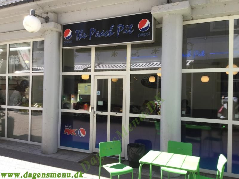 The Peach Pit, Pizza Take Away i