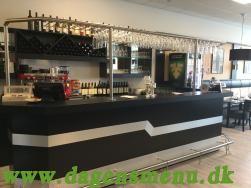 Wallenz Restaurant & Café