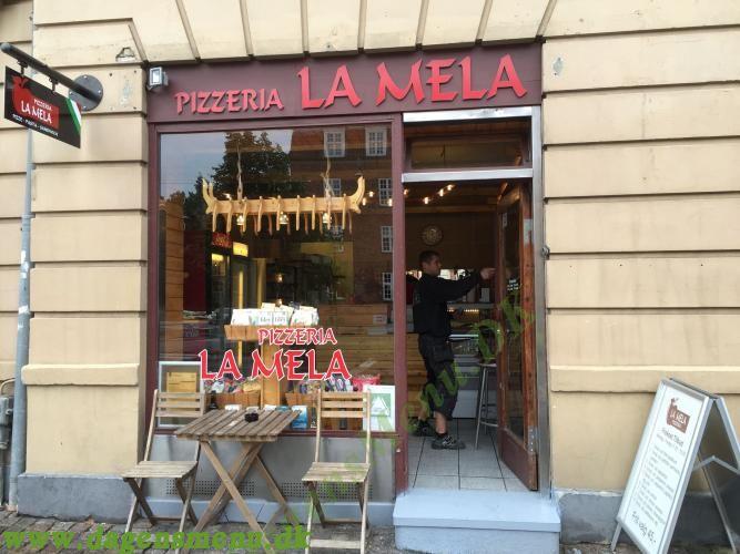 La Mela Pizza